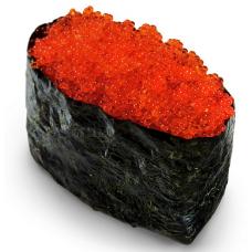 Гункан с красной тобико